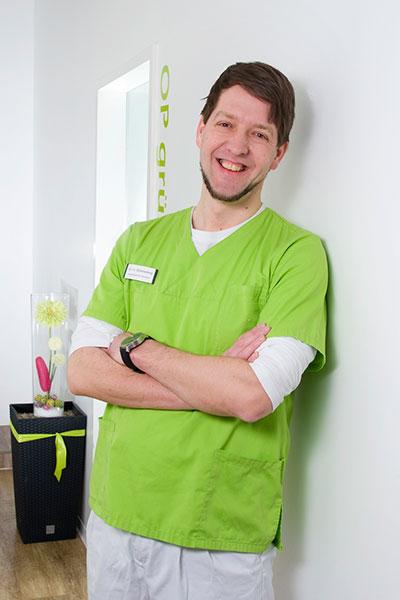 Tierarzt<br /> Dr. W. Stührenberg